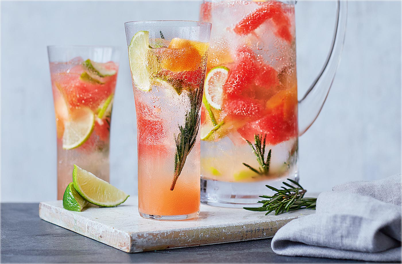 ჯანსაღი გამაგრილებელი სასმელი ზაფხულისთვის